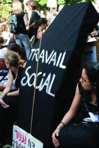 LA DÉTRESSE DES TRAVAILLEURS SOCIAUX